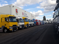 Autoparco Renault Trucks France by Volvo group Lyon