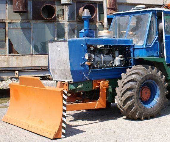 lama dozer HTZ Buldozernoe oborudovanie (otval, lopata) na traktorah HTZ 150K