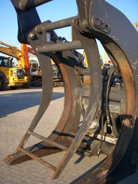 pinza per movimentazione VOLVO (294) Auswerfer /ejector for wood grap model 80777