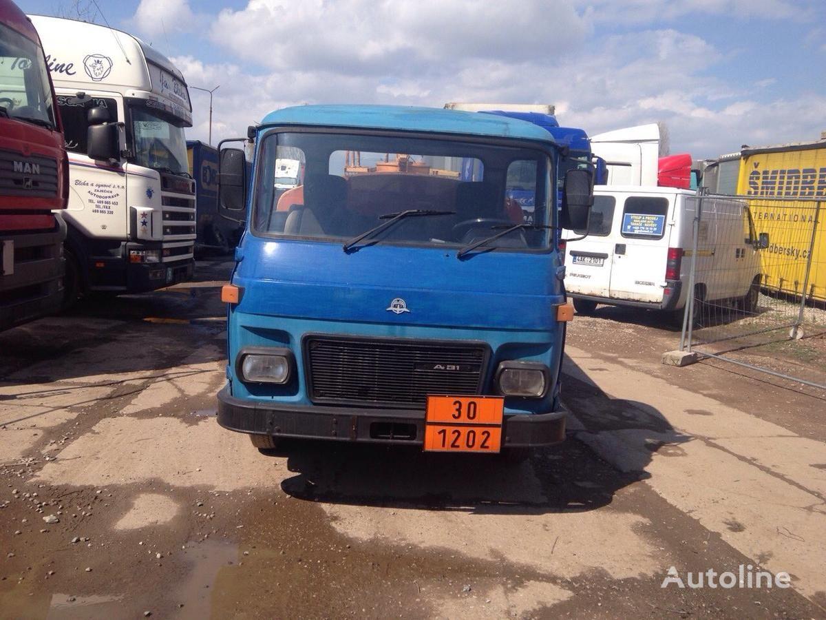 camion autocisterna AVIA SPECIÁLNÍ AUTOMOBIL