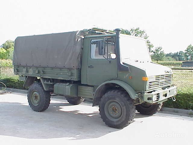 camion centinato MERCEDES-BENZ UNIMOG 435/1300L