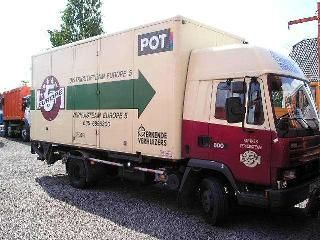 camion furgone DAF 800