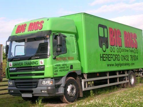 camion furgone DAF CF 65.250 g/p. 11 tonn , furgon 53 m3, vorota,spalnik.