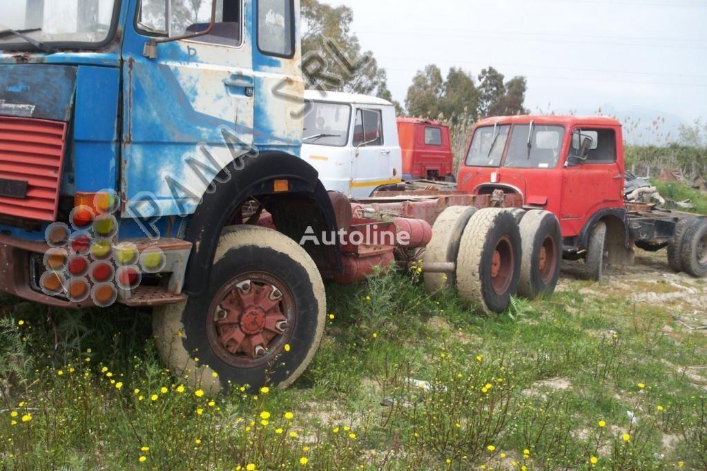 camion telaio IVECO 330 26