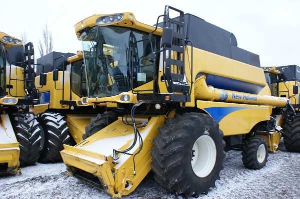 mietitrebbia NEW HOLLAND CSX 7080