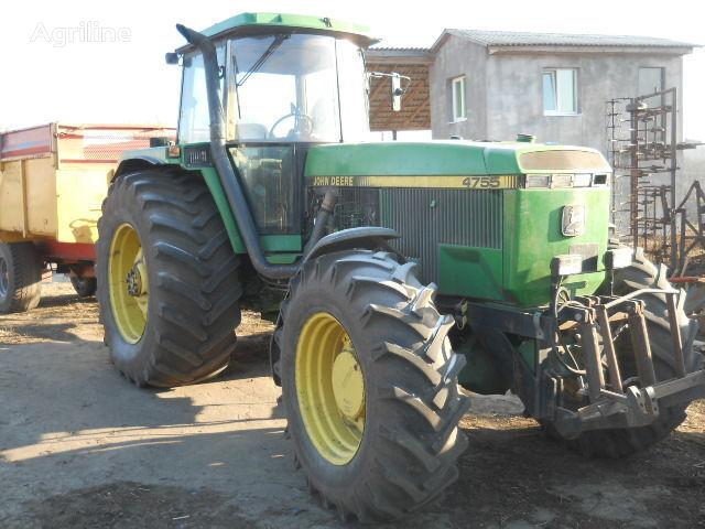 trattore gommato JOHN DEERE 4755