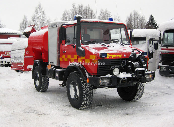 autobotte pompieri MERCEDES-BENZ Unimog U-1300 4x4 WD