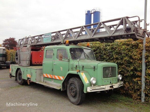 autoscala antincendio MAGIRUS Deutz Drehleiter DL 30 KHD 150 PS Jupiter