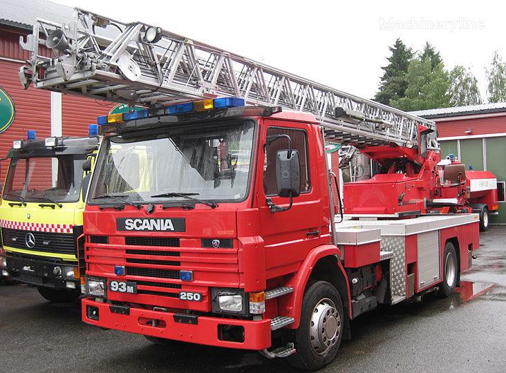 autoscala antincendio SCANIA P-93, 4x2WD