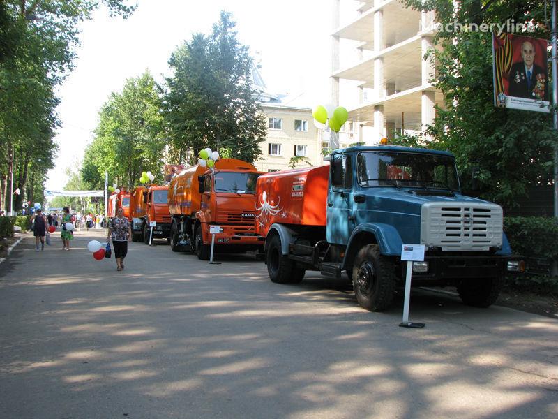 camion spurgo fognature ZIL Kanalopromyvochnaya mashina KO-502D