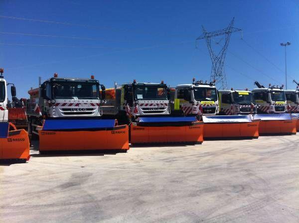 spargisale RASCO NEW truck 4x4+ spreader + snow plough + tipper box