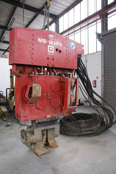altre macchine edili Vibropogruzhatel Muller M16HFV i Power pack MS-A260