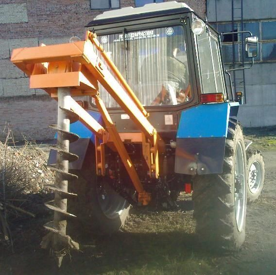 altre macchine edili Yamokopatel (yamobur) navesnoy marki BAM 1,3 na baze traktora MTZ