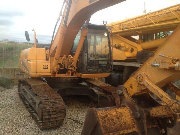 escavatore cingolato CASE CX 210