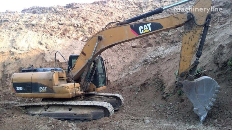 escavatore cingolato CATERPILLAR 320D 320DL