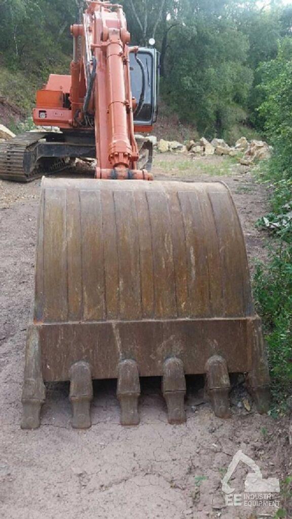 escavatore cingolato FIAT-HITACHI FH 240-3