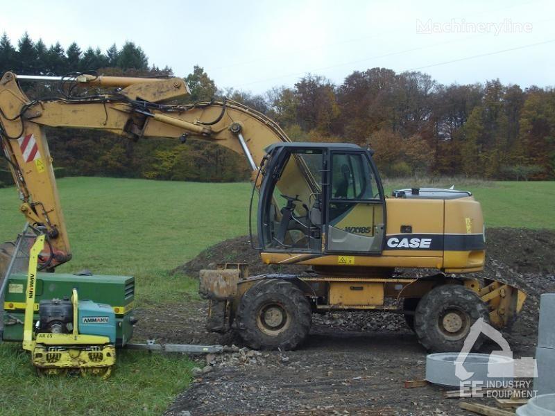 escavatore gommato CASE WX 185