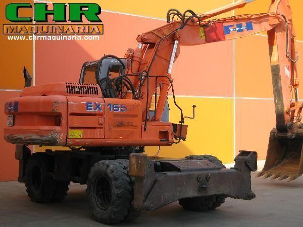 escavatore gommato FIAT-HITACHI EX165W.3