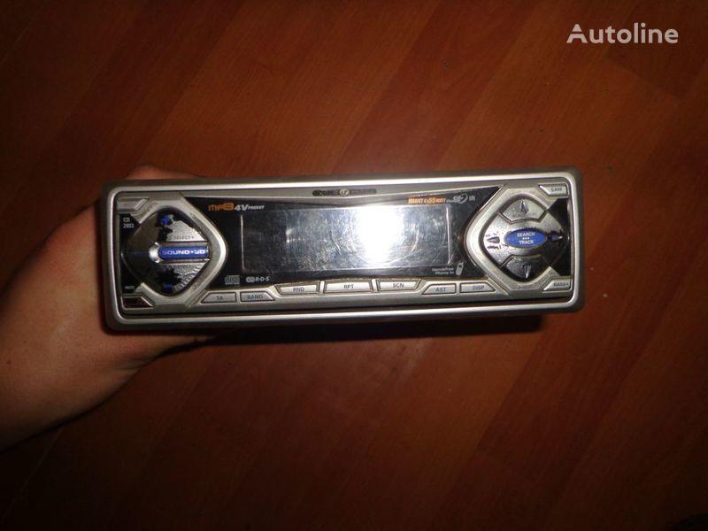 autoradio  VDO Ayton. 12V. CD per trattore stradale