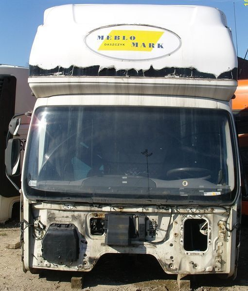 cabina  DAF KOMPLETNA Z GLOBEM (KURNIK) per trattore stradale DAF LF 45