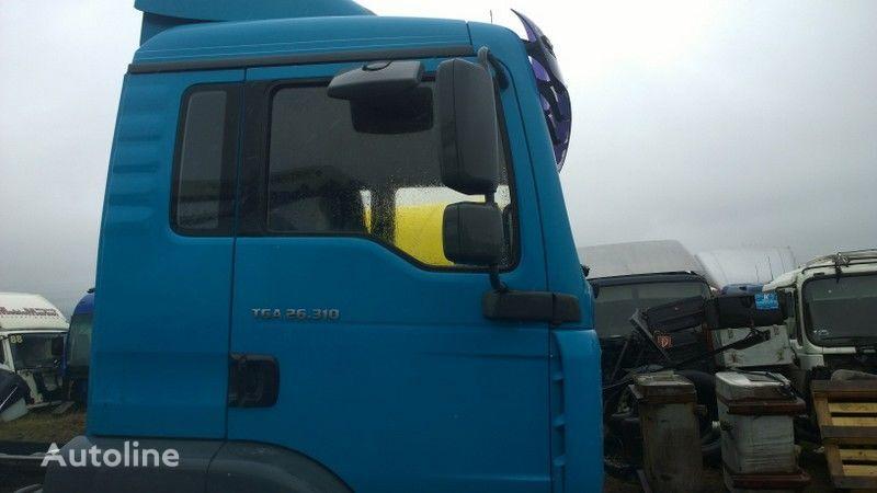 cabina per trattore stradale MAN TGA budowlana dzienna - 21000 zl. netto