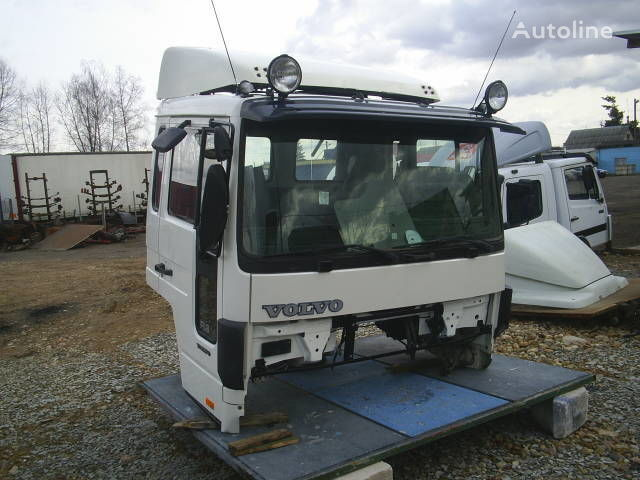 cabina per camion VOLVO FLC
