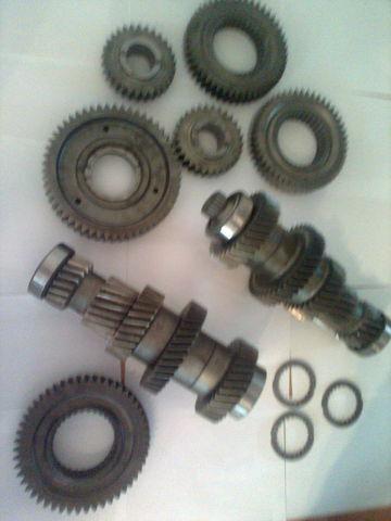 cambio di velocità  ZF 12 AS 2301 Promezhutochnye valy KPP 1327203046  1327203044 per trattore stradale MAN tga nuova