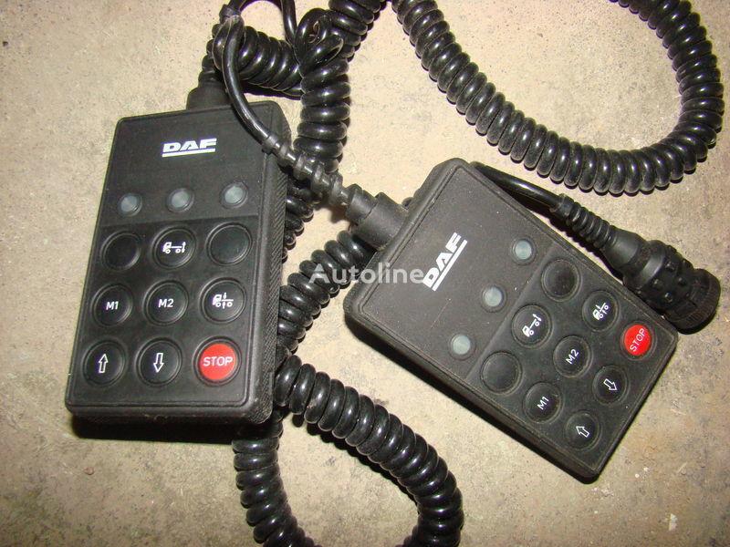 cruscotto  DAF 105XF remote control ECAS 1337230; 4460561290, 1657854, 1659760, 1669461, 1686733, 1690391, 1732019, 1780197, 1780200, 1792640, 1848360, 1851259, 1851261, 1851747, 1898313, 1898316, 1898317 per trattore stradale DAF 105XF