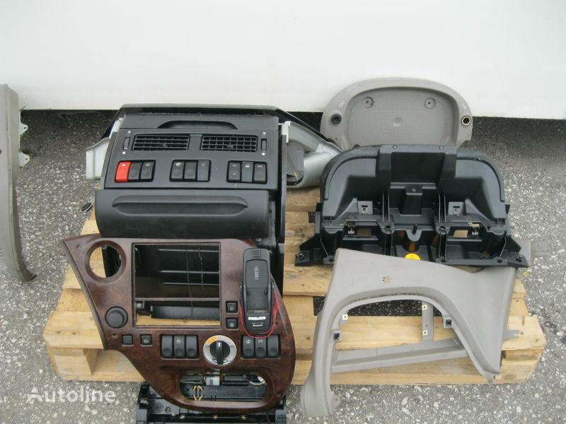 cruscotto per trattore stradale DAF XF 105