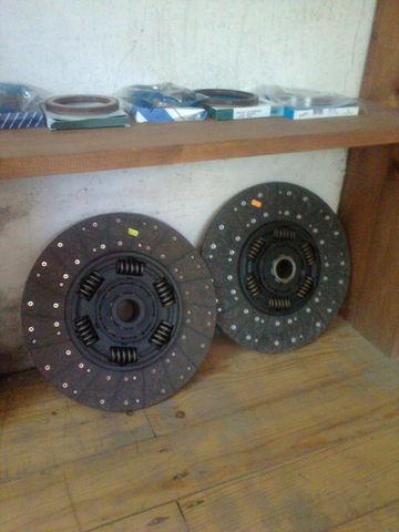 disco frizione  KAWE Holland 1878000948 , 21593944 , 85000537 , 7420707025 , 20525015 per trattore stradale VOLVO FH 12 nuovo