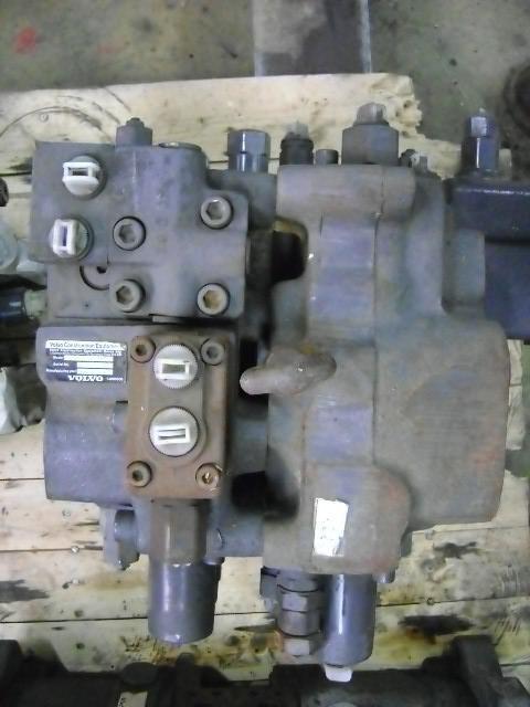 distributore idraulico per escavatore VOLVO 210 B