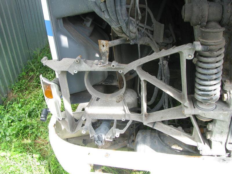 elementi di fissaggio  Kronshteyn fary per trattore stradale DAF