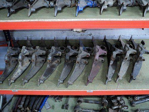elementi di fissaggio  DAF MOCOWANIE PODUSZEK ZAWIESZENIA per trattore stradale DAF XF 95 / XF 105