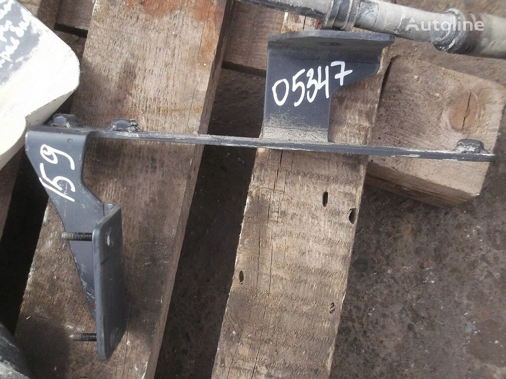 elementi di fissaggio  Iveco Kronshteyn trubok ohlazhdeniya per camion IVECO