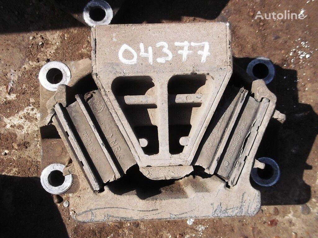 elementi di fissaggio  Opora dvigatelya per camion MERCEDES-BENZ