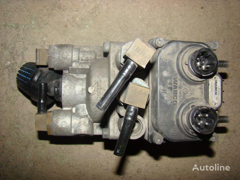 gru  DAF 105XF foot brake valve 1455027 per trattore stradale DAF 105XF