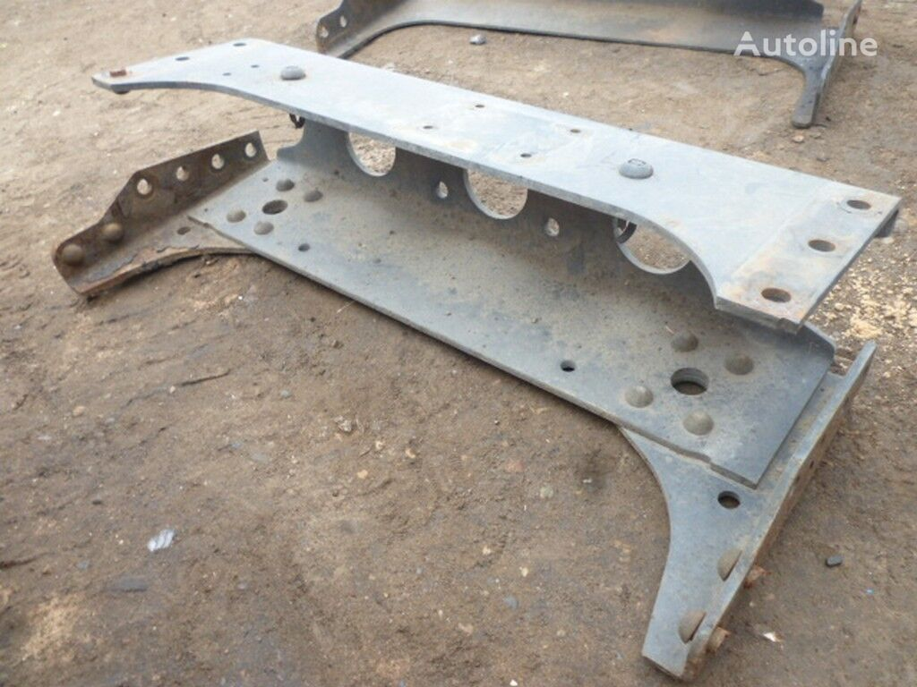 pezzi di ricambi  Zadnyaya traversa ramy Mercedes Benz per camion