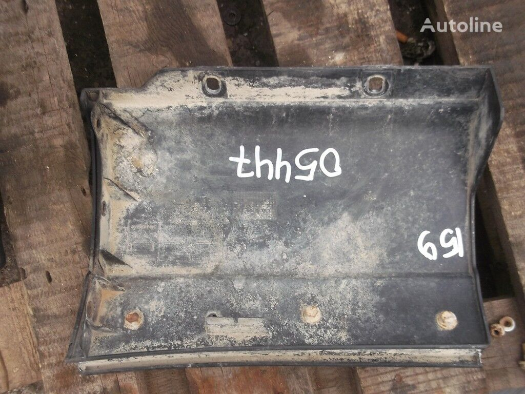 pezzi di ricambi  Nakladka na krylo RH Iveco per camion