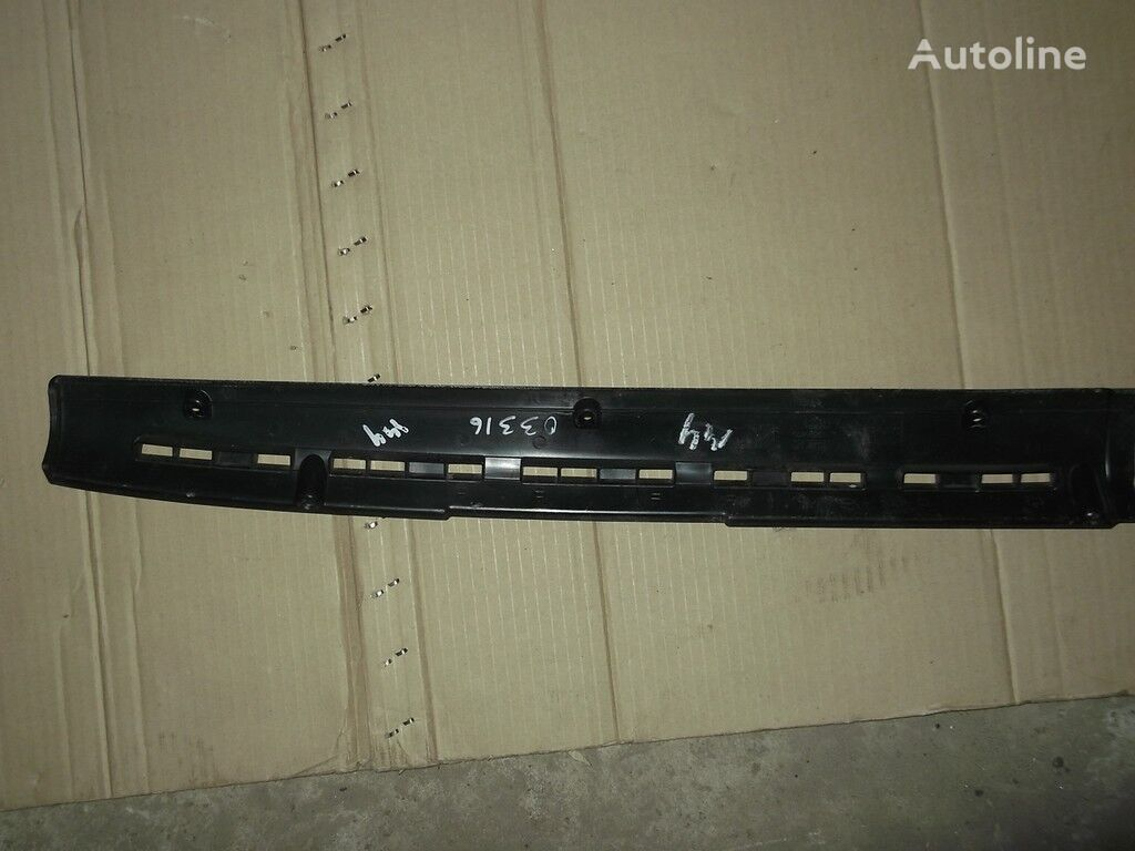 pezzi di ricambi  Nakladka-vozduhovod peredney paneli DAF per camion