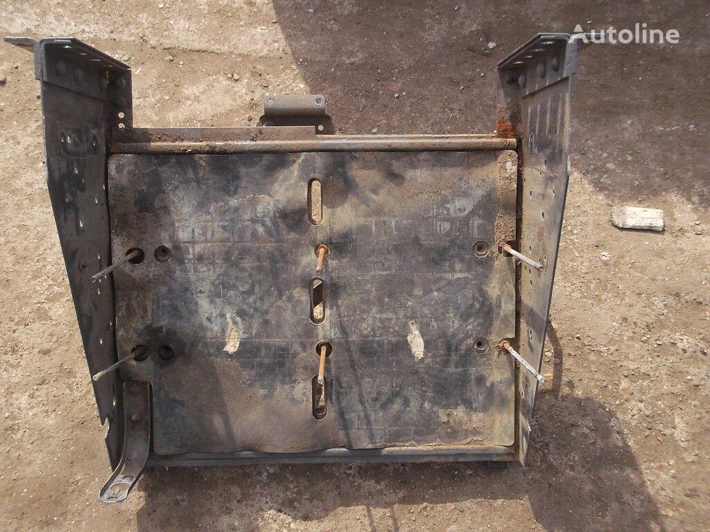 pezzi di ricambi  Akkumulyatornyy yashchik Volvo per camion