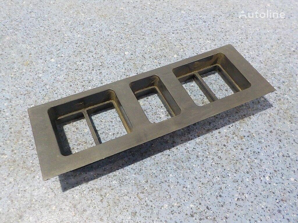 pezzi di ricambi  Ramka pod knopki Volvo per camion
