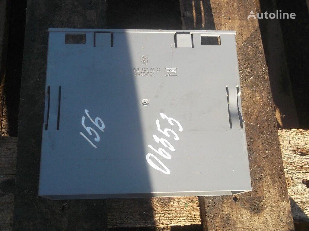 pezzi di ricambi  Korob priborov peredney paneli Mercedes Benz per camion