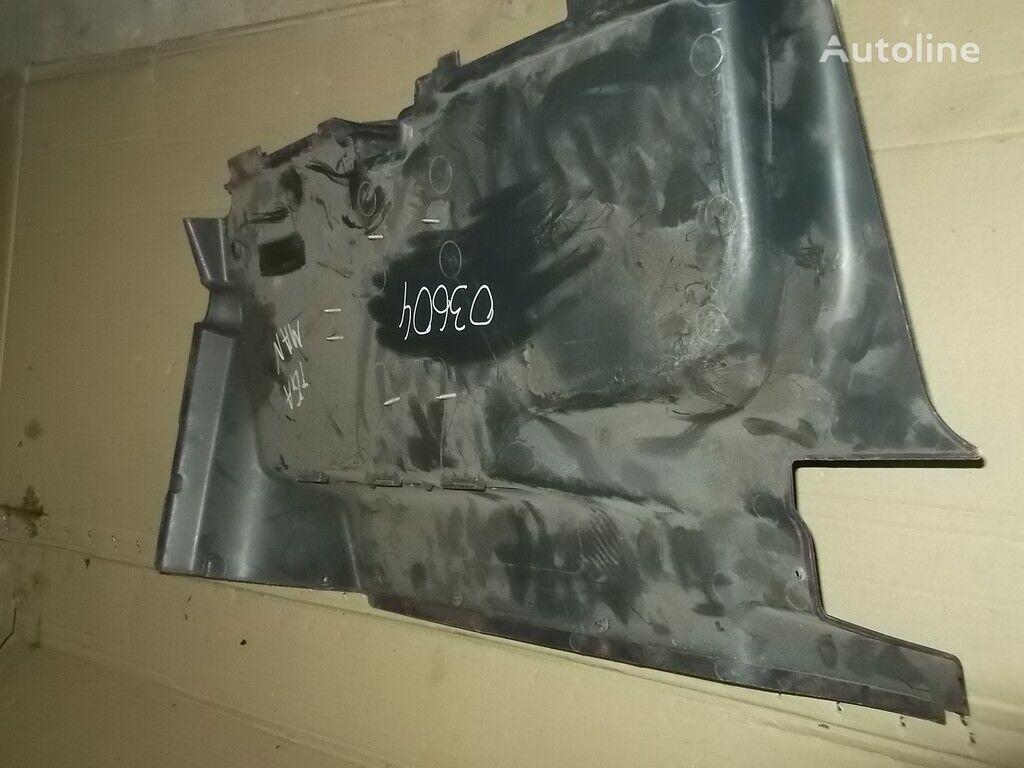 pezzi di ricambi  MAN Obshivka peredney stenki per camion
