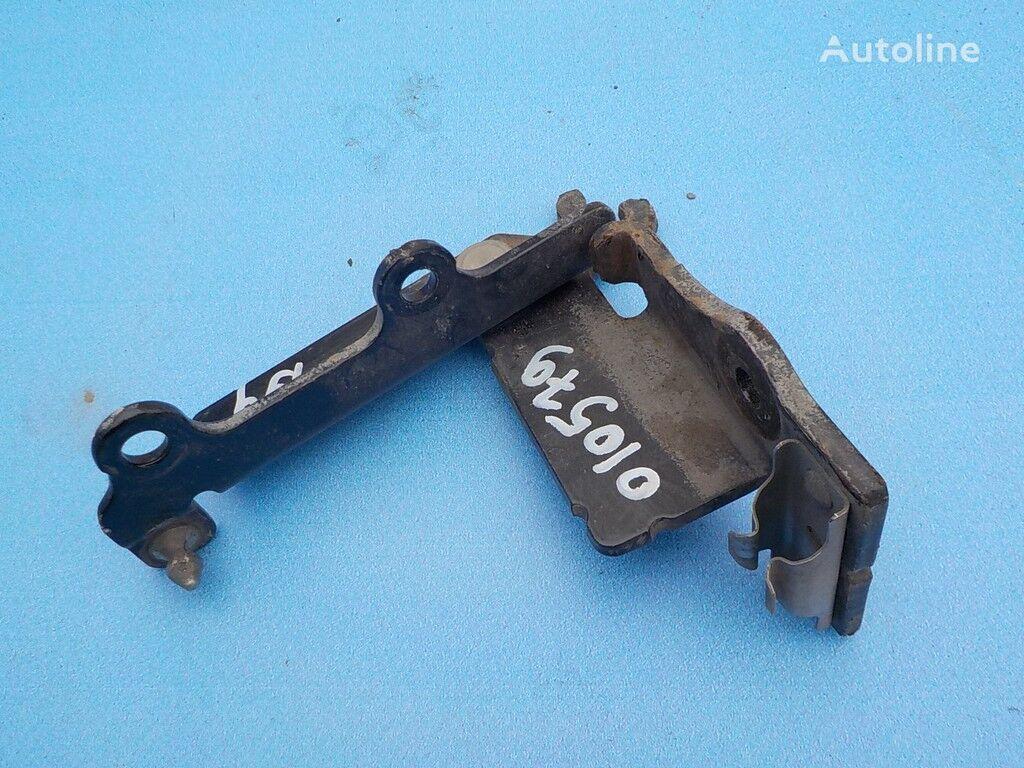 pezzi di ricambi  Petlya kapota LH Volvo per camion