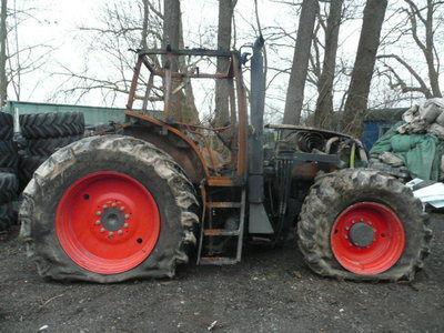 pezzi di ricambi  b/u zapchasti / used spare parts per trattore CLAAS ARES 836