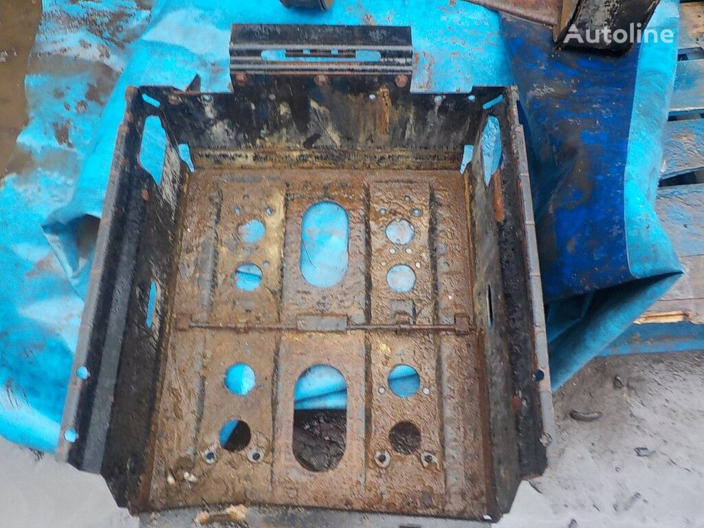 pezzi di ricambi  Akkumulyatornyy yashchik per camion DAF