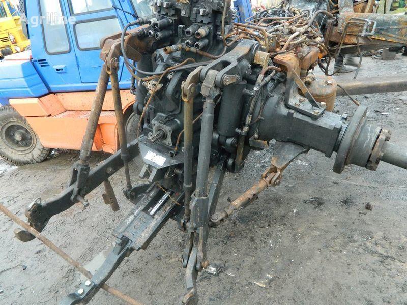 pezzi di ricambi  b/u zapchasti / used spare parts per trattore NEW HOLLAND T7030