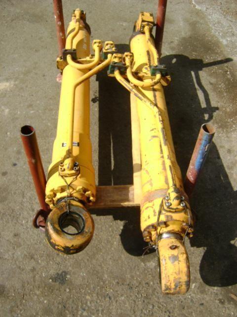 pistone per escavatore LIEBHERR 902