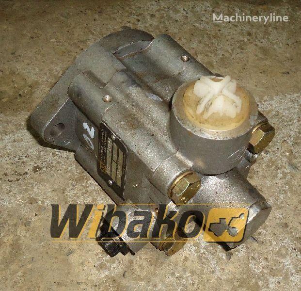 pompa idraulica  Hydraulic pump Fahrzeug-hydraulik LF73 per escavatore LF73