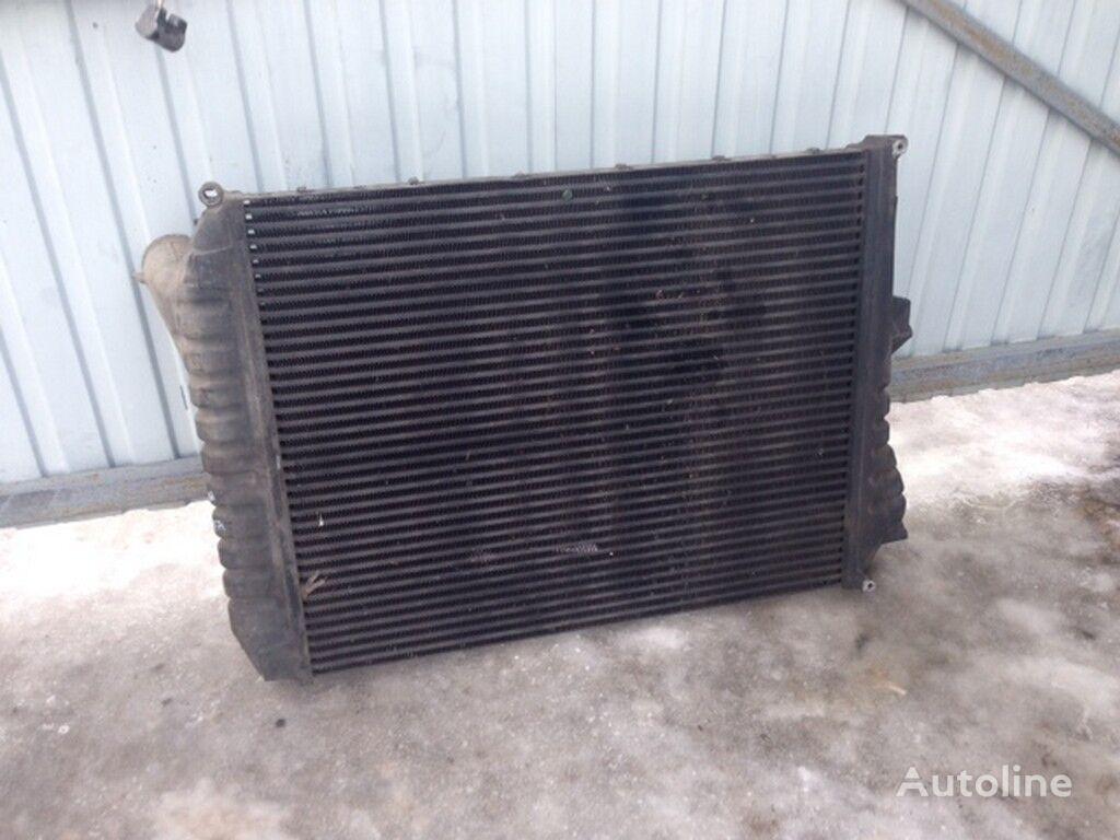 radiatore di raffreddamento motore  Interkuler Volvo (907x728x63) per camion
